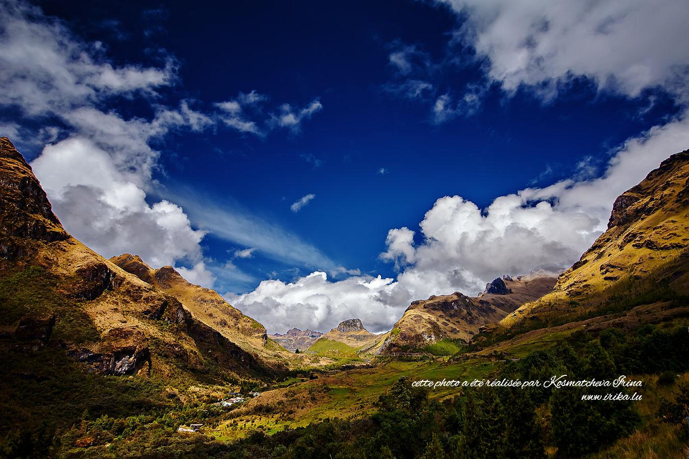 Passage entre les montagnes