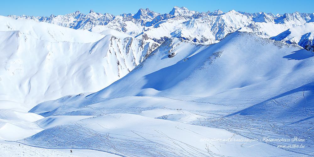 Chemins dans la neige