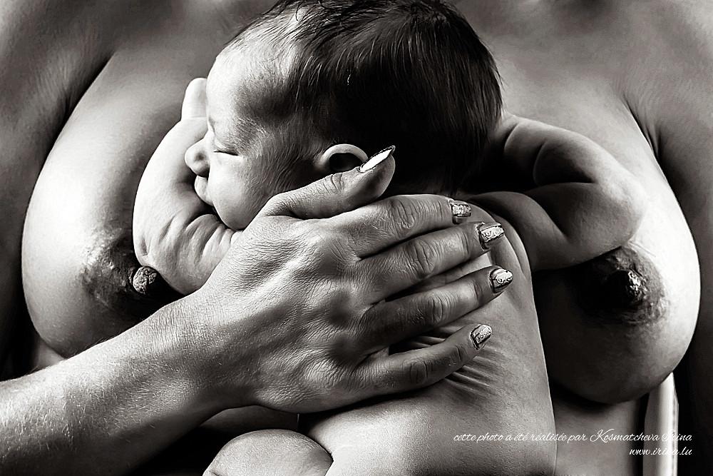 Bébé aux seins