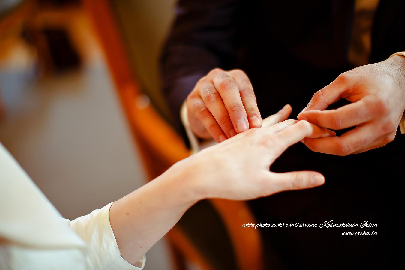 Main dans les mains