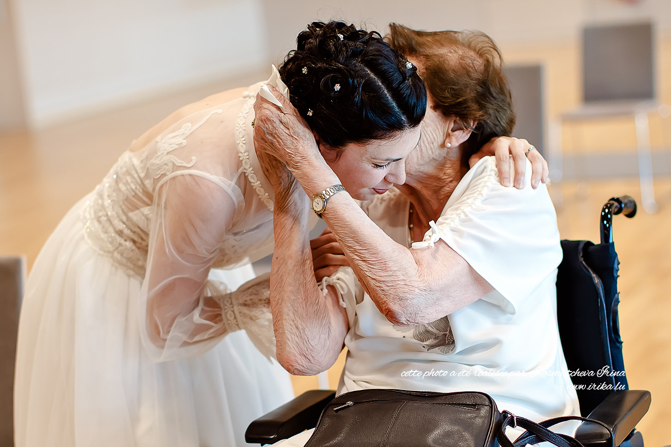 Photo de la mariée avec la grand-mère