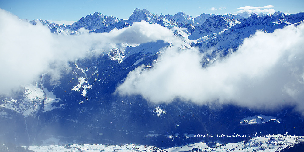 Nuages dans les montagnes