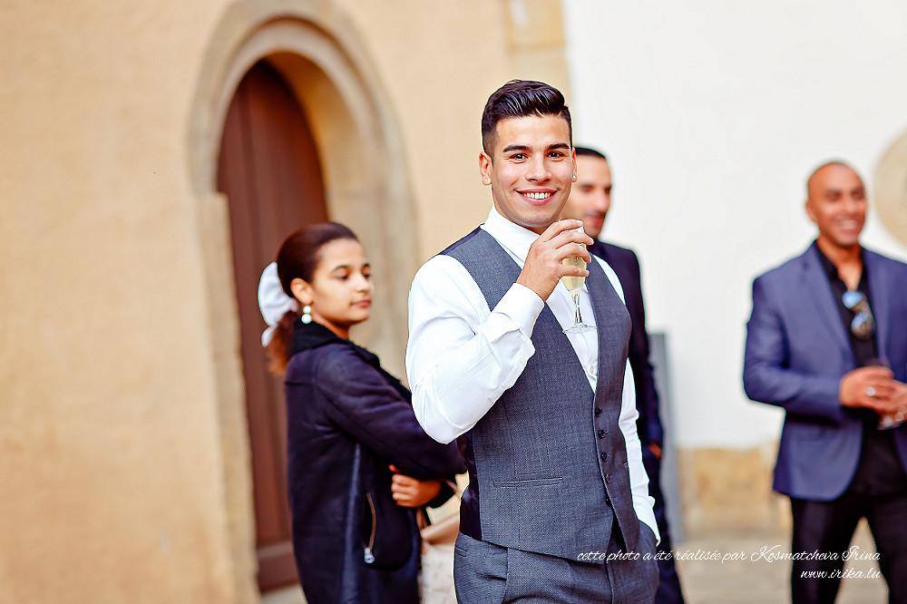 Une coupe de crémant pour le marié