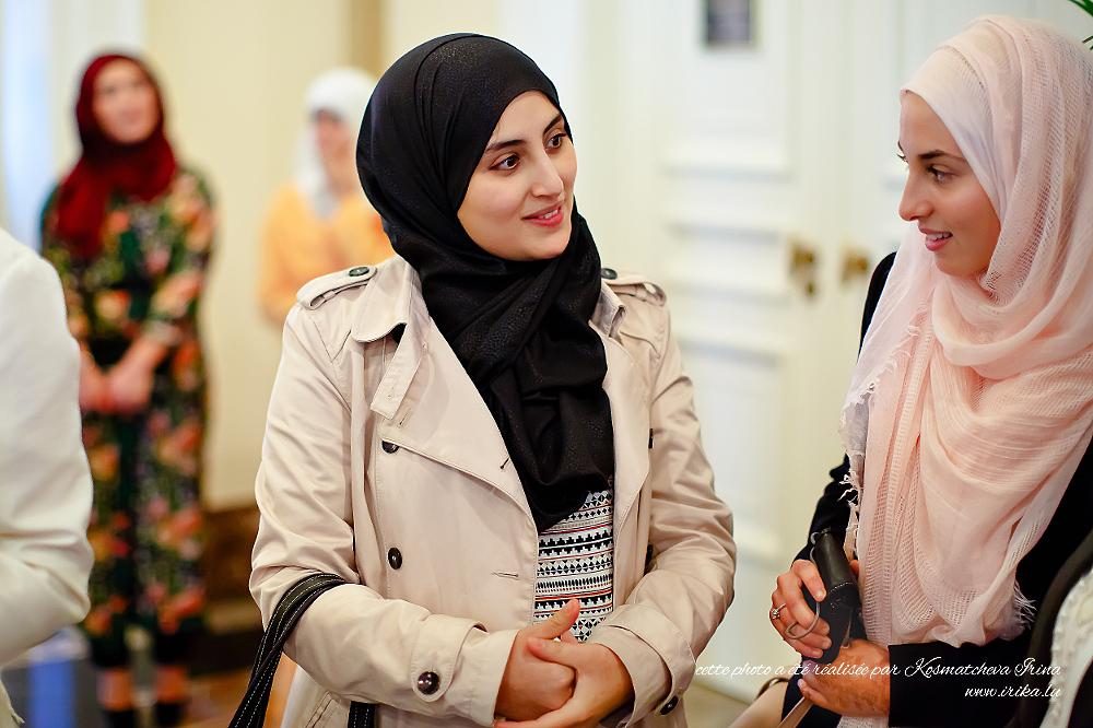 Deux belles filles muslimes