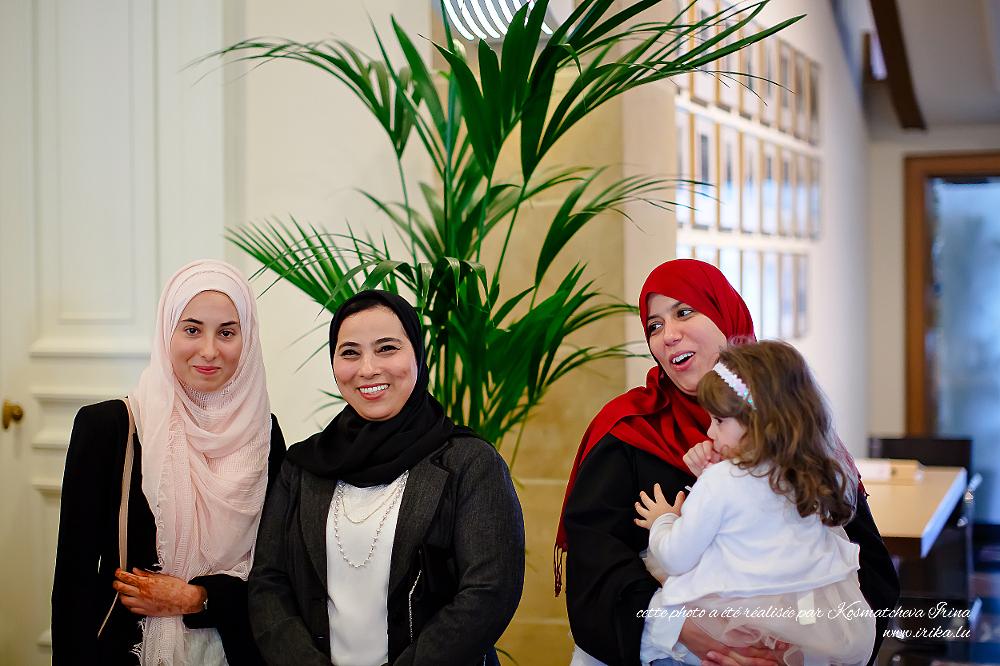 Petit groupe à quatre filles