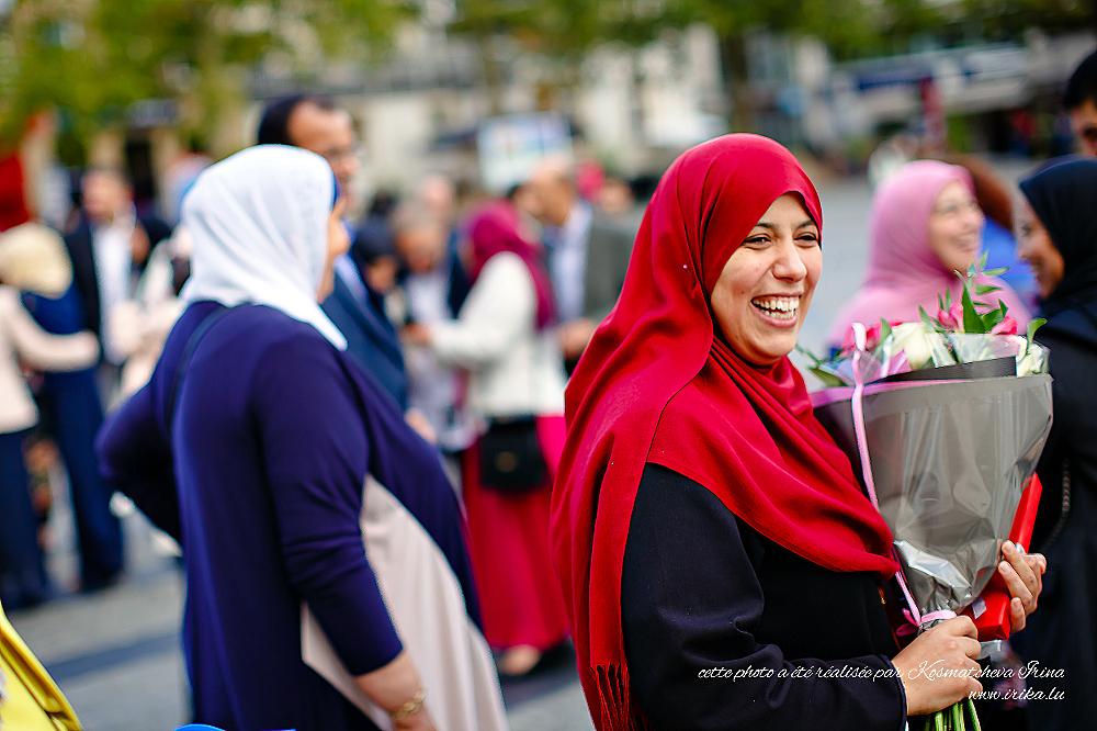 Une muslime au grand bouquet