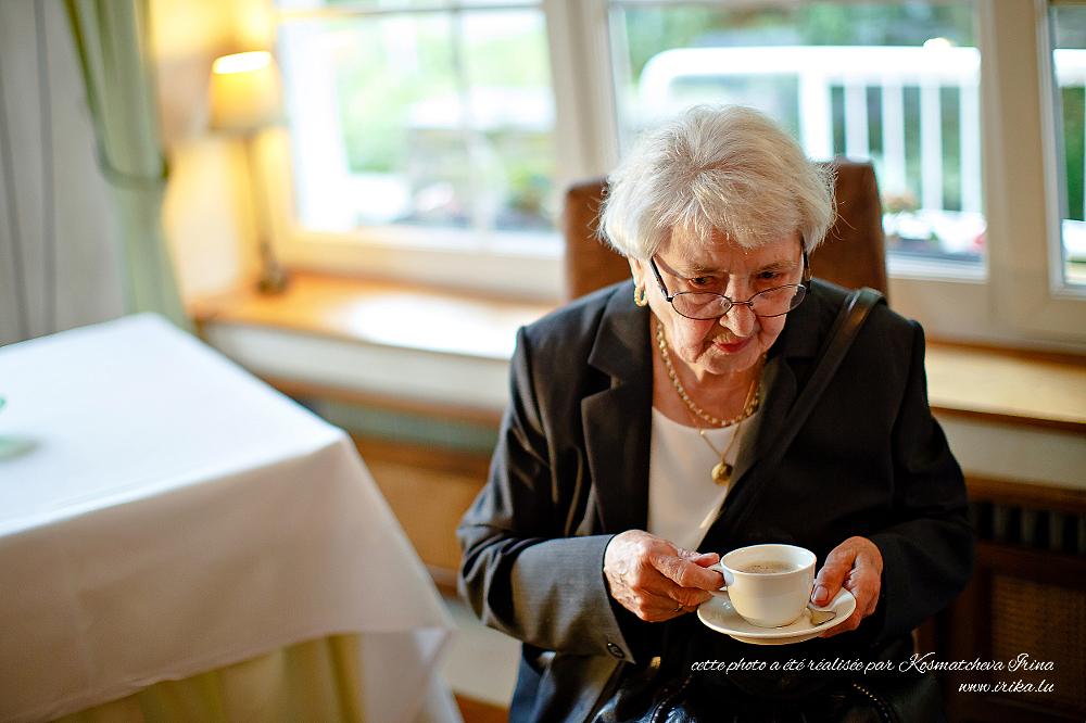 Une dame âgée