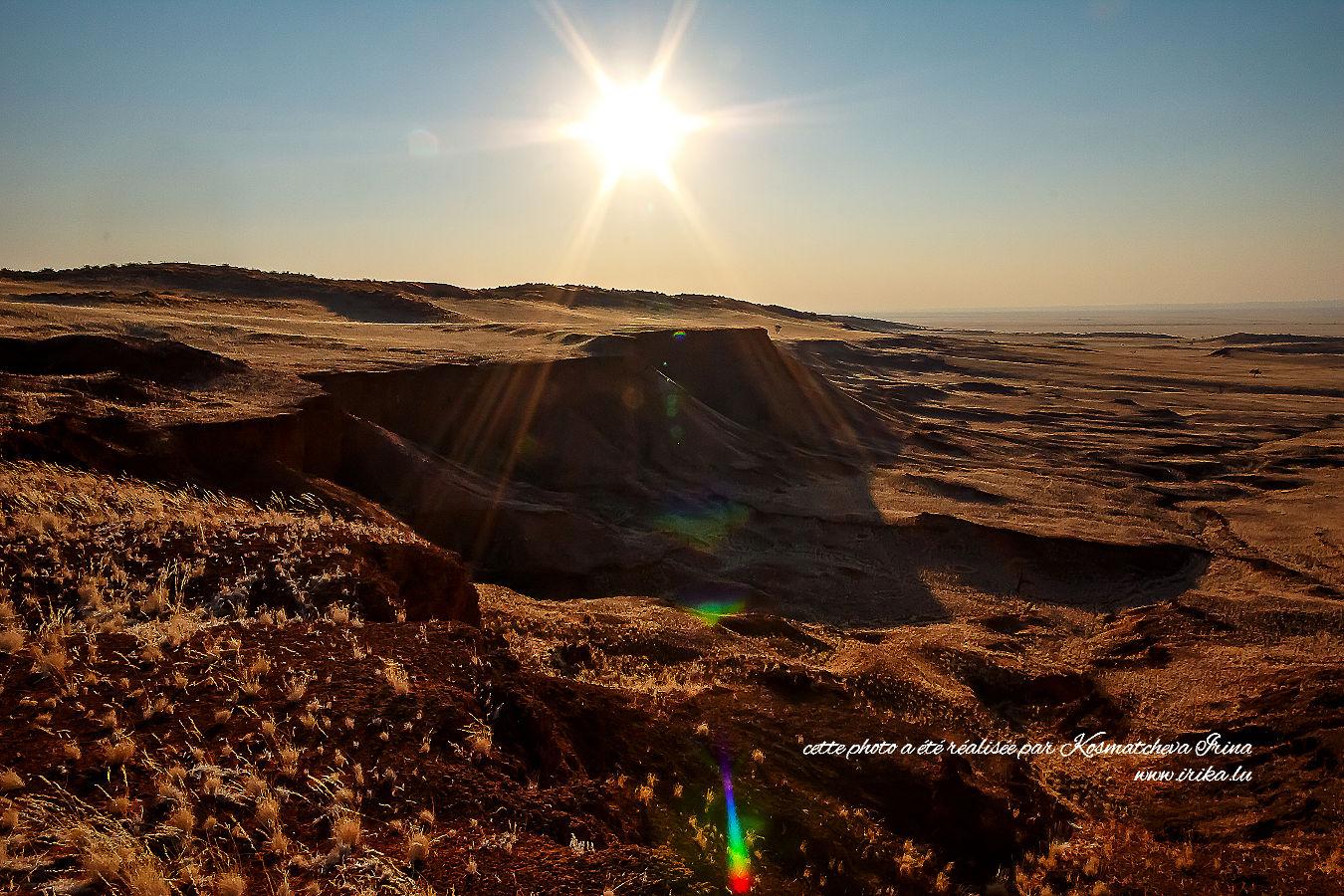 Soirée dans le désert africain