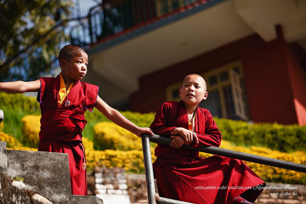 Deux jeunes moines