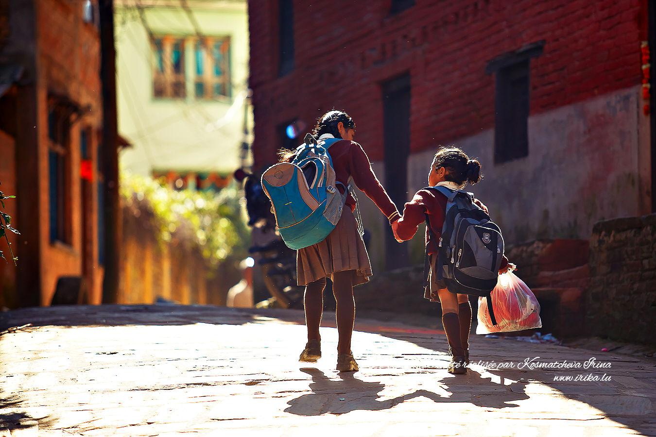 Chemin matinal vers l'école primaire