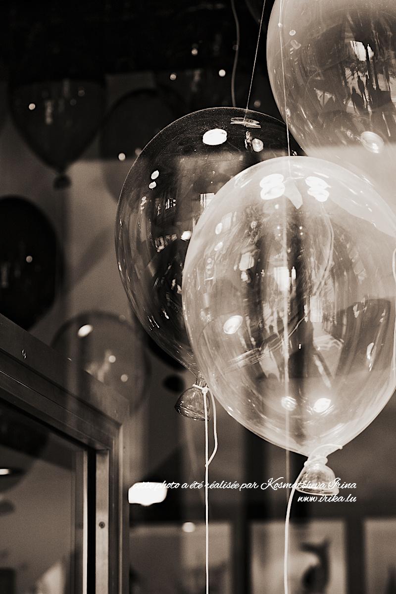 Trois ballons en verre