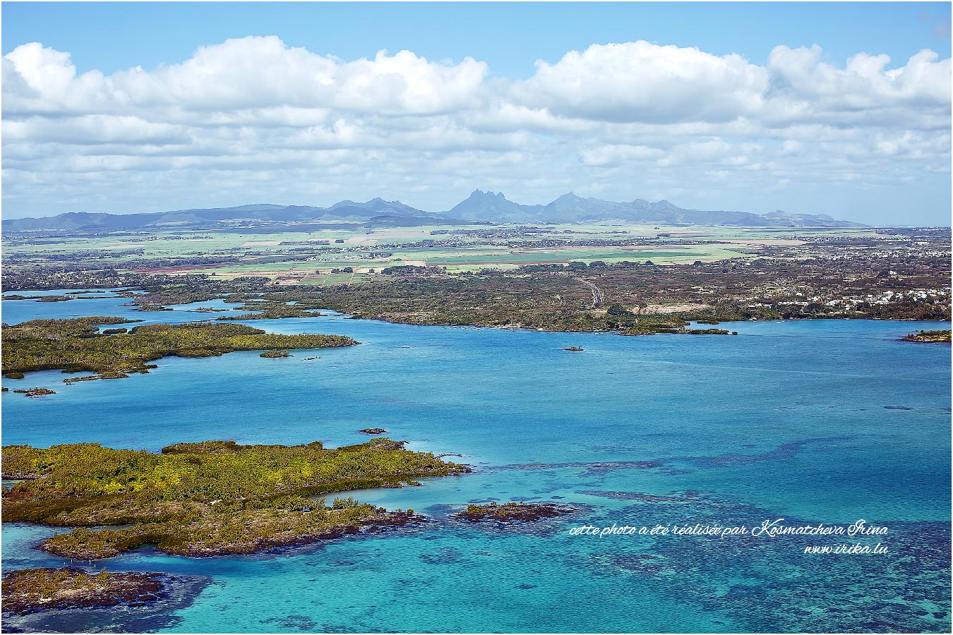 Île Maurice, survol de la baie Grand Gaube
