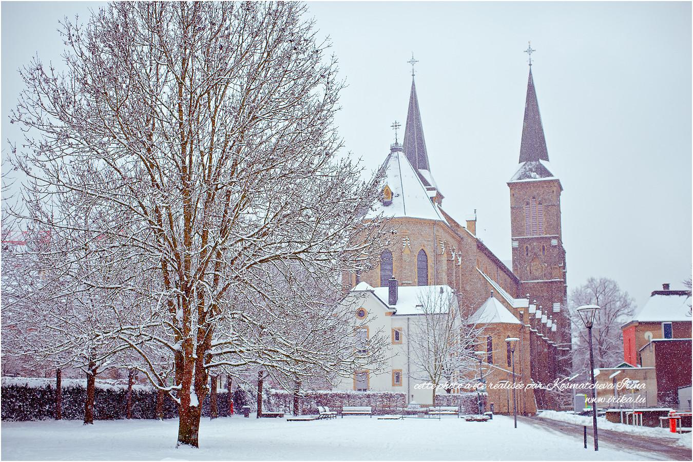 Vue sur l'église de Dudelange